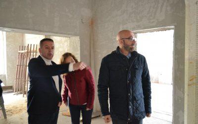 Директорот на Канцеларијата на Светска банка во МК, Марко Мантованели во посета на Туристичкиот Центар во Вевчани